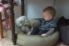 Bella mit ihrer kleinen Freundin